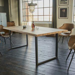 KAWOLA Tisch FREY Esszimmertisch Wildeiche massiv 180x90cm / Baumkante
