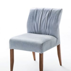 KAWOLA Stuhl LAMIS Esszimmerstuhl ohne Armlehne Leder blau Füße aus Nussbaumholz