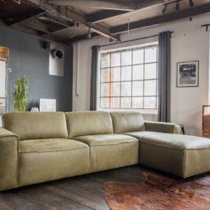 KAWOLA Ecksofa EXTRA Sofa Leder olivgrün Recamiere rechts klein mit motorischer Sitztiefenverstellung