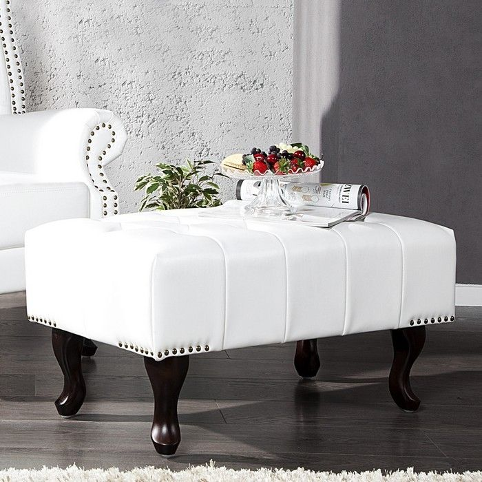 Fußhocker WINCHESTER Weiß im klassisch englischen Chesterfield-Stil