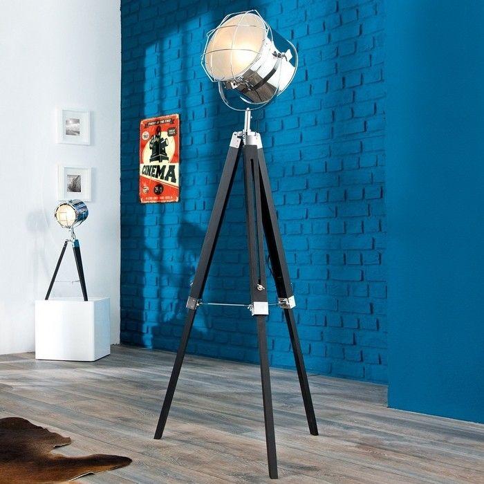Stehlampe STUDIO Schwarz und Chrom mit Gestell aus Holz 110-150cm Höhe