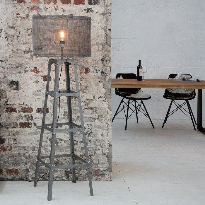 Stehlampe ROBOT Grau aus Metall 155cm Höhe im Industriedesign