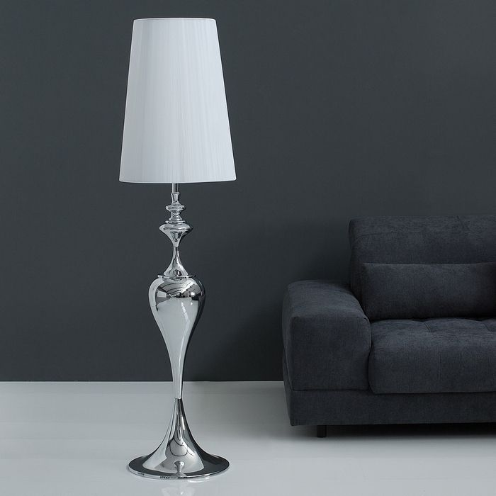 Stehlampe SCARLET Weiß mit Standfuß aus Silber glänzendem Metall 160cm Höhe