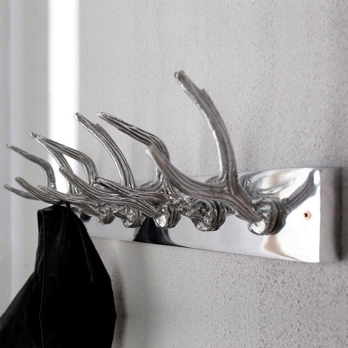 Deko Wandgarderobe Hirschgeweih MAGNUS Silber mit 6 Haken aus poliertem Aluminium 50cm Länge